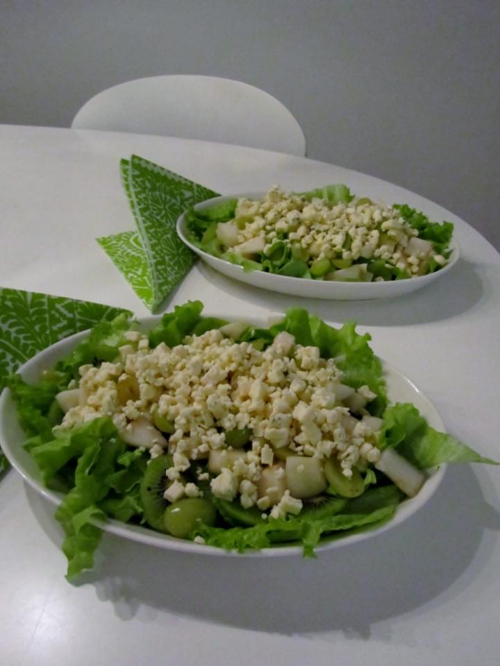 juustosalaatti