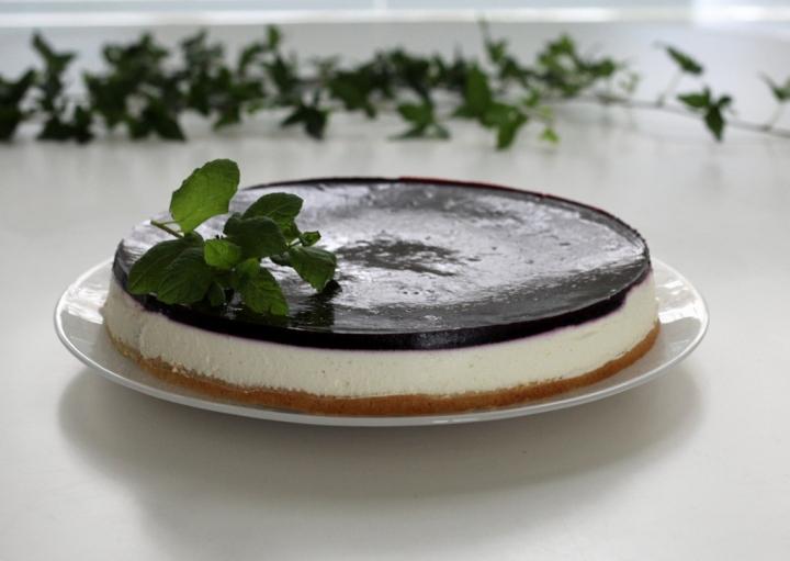 mustikkainen-jogurttitorttu1 (1024x728)