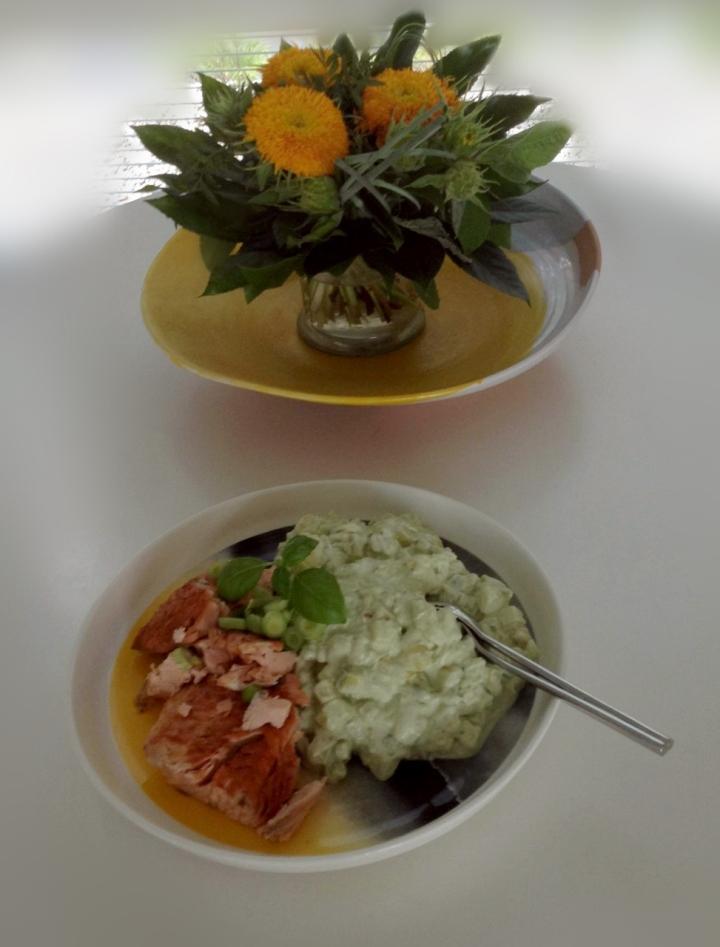avokadoperunasalaatti1 (973x1280)