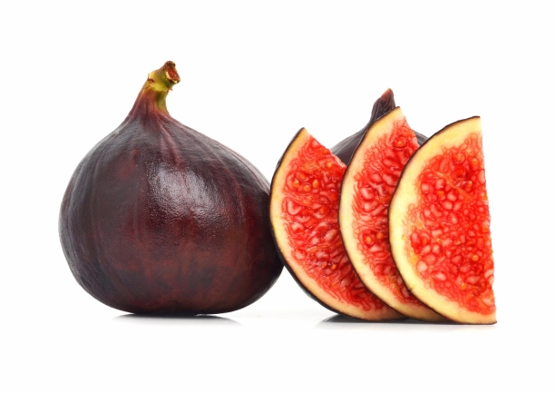 Fresh figs and slices